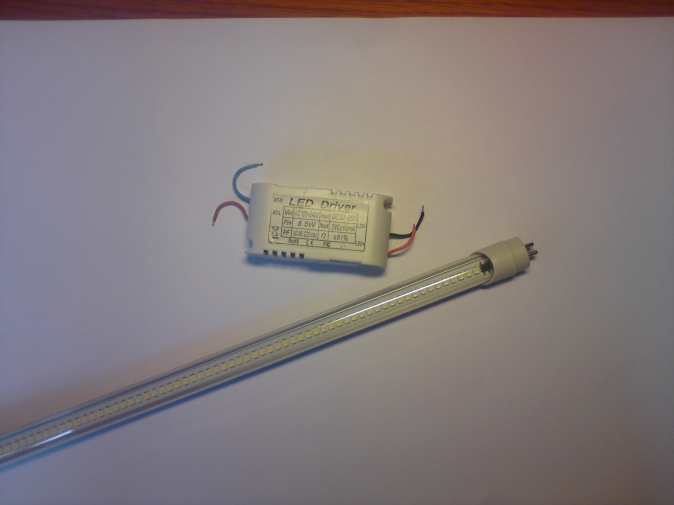 Esolite - LED trubice T5 900mm, 9W, 230V, 900lm 5500K